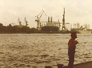 Hamburg-1975-pictures-from-Alster-shipping